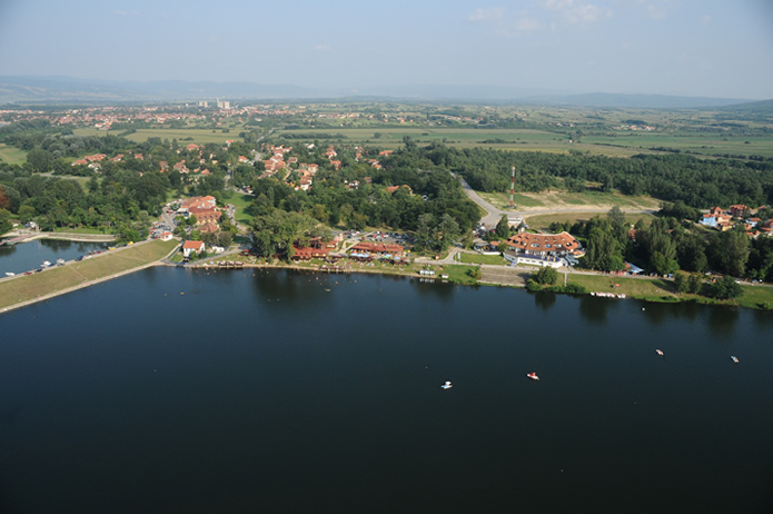 Серебреное озеро