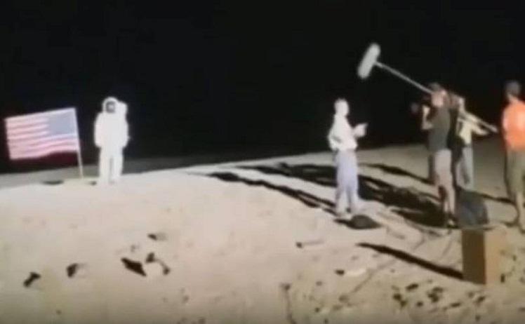 Постановочное видео высадки американцев на Луну