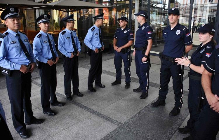 Китайские и сербские полицейские начали первое патрулирование