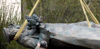 Памятник маршалу Коневу снесли в Праге