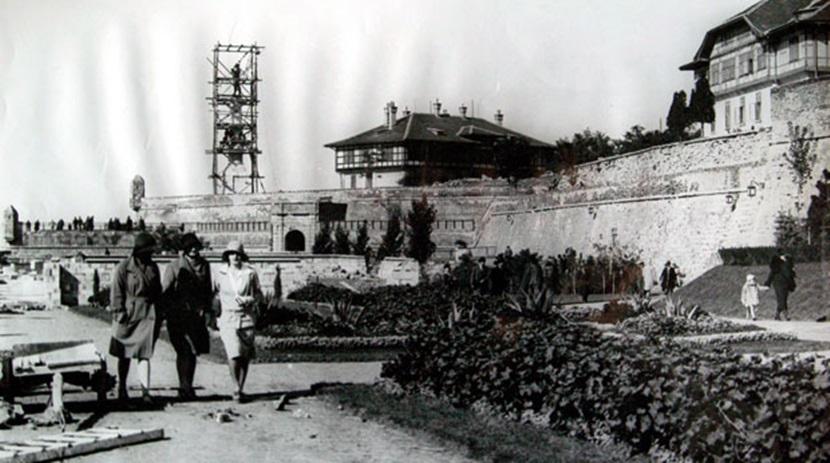 Памятник Победителю 1927 г.