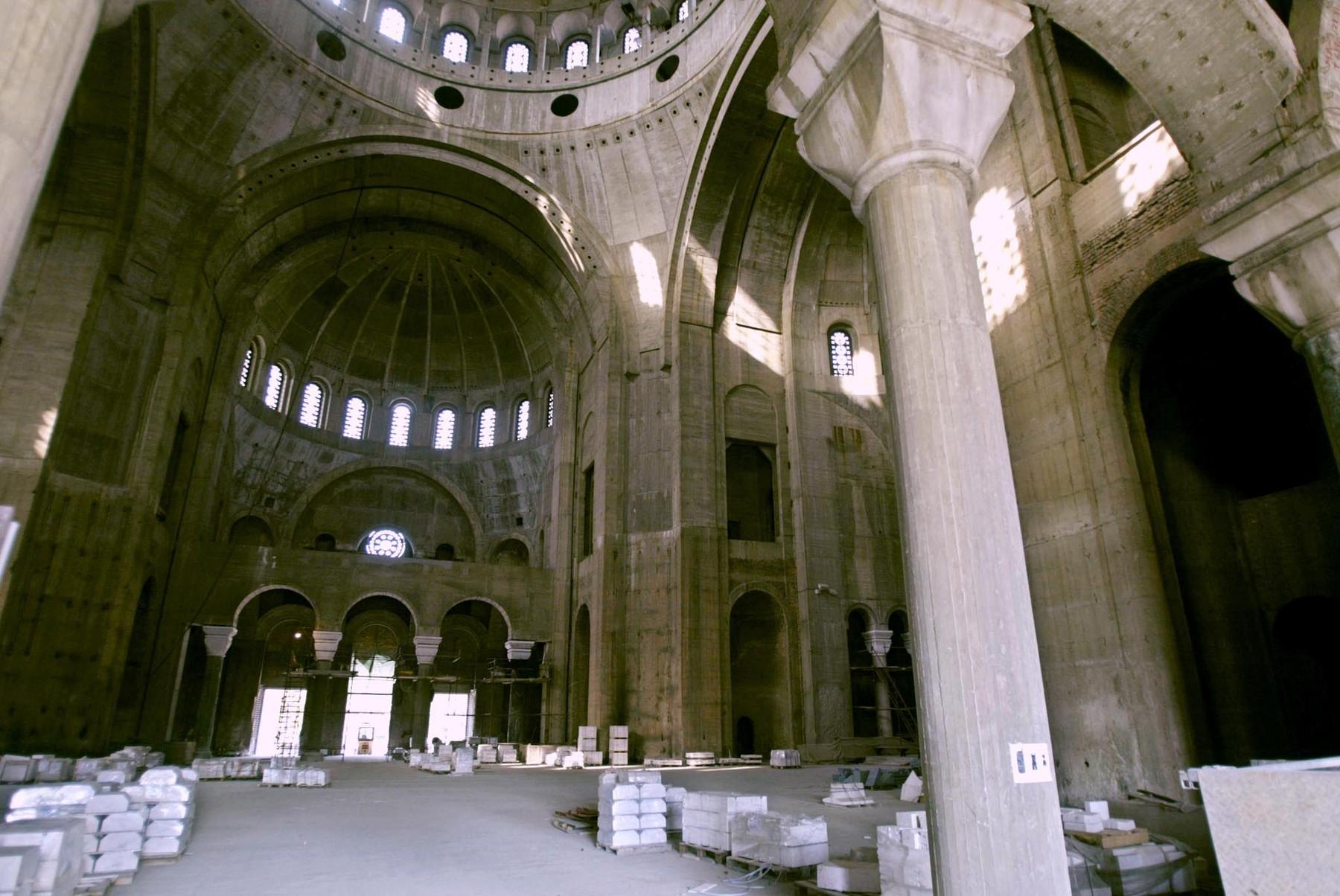 Внутренность храма Святого Саввы